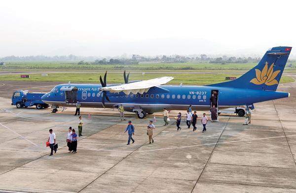 Cảng hàng không Điện Biên hiện chỉ khai thác được tàu bay ATR72 hoặc tương đương trở xuống. Ảnh: Khánh Linh