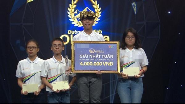 Trần Minh Thảo nhận vòng nguyệt quế tuần này.