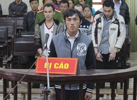 Bị cáo Ly A Phềnh tại phiên tòa.