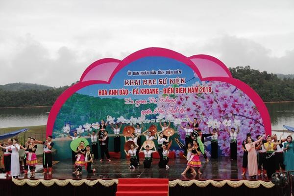 Sự kiện Hoa Anh Đào - Pá Khoang - Điện Biên giới thiệu đến du khách Việt Nam và quốc tế điểm đến văn hóa, thiên nhiên mới.
