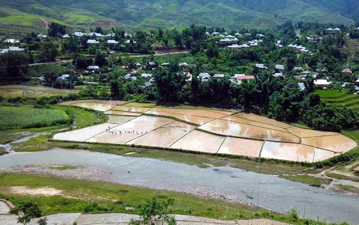 Một góc khu tái định cư tại xã Si Pa Phìn. Ảnh: C.T.V