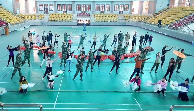 Chương trình nghệ thuật chào mừng thành công của Lễ hội Hoa Ban được triển khai tập luyện chu đáo.