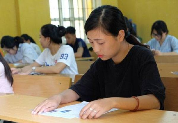 Khoảng 860.000 thí sinh cả nước bắt đầu làm thủ tục đăng ký dự thi THPT quốc gia và xét tuyển đại học, cao đẳng. Ảnh minh hoạ: Quỳnh Trang.