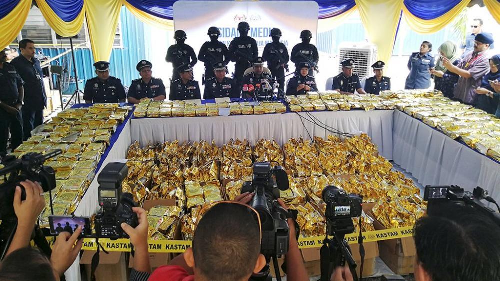 Cảnh sát Malaysia công bố lượng ma túy đá bị bắt giữ.