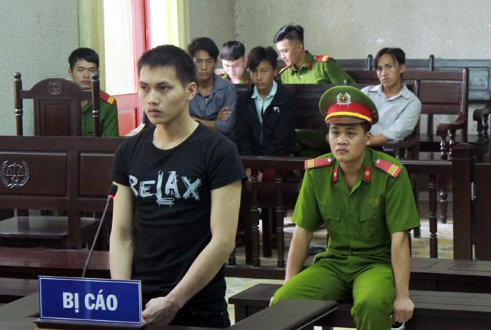 Bị cáo Vàng A Sình trong phiên tòa xét xử sơ thẩm.