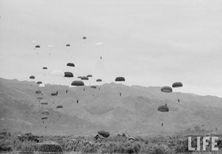 Vậy nên, hoàn toàn không nói quá khi khẳng định rằng, chiến thắng Điện Biên Phủ không chỉ giúp dân tộc Việt Nam kết thúc 9 năm kháng chiến chống Pháp mà còn gián tiếp giải phóng cho toàn bộ dân tộc bị đô hộ trên toàn thế giới. Nguồn ảnh: Life.