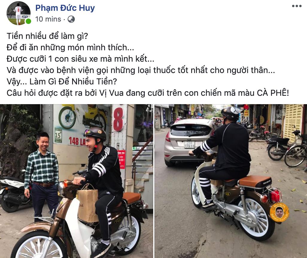 Đức Huy chia sẻ hình ảnh và trạng thái về việc đi mua xe máy.