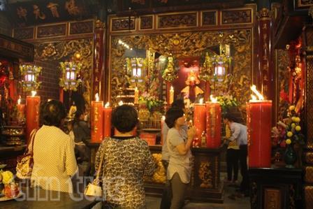 Khu vực chính điện của chùa Ông
