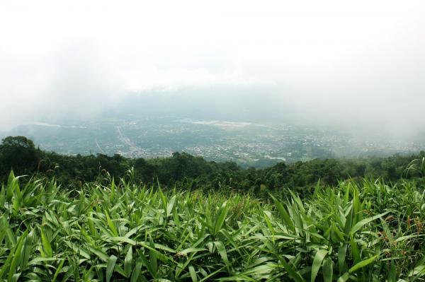Xa xa phia dưới là khu dân cư huyện Xuân Lộc – Đồng Nai.