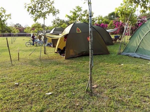 Có cả không gian để cắm trại, nướng BBQ...