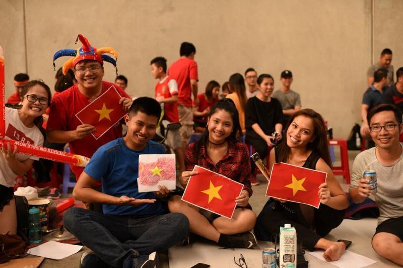 Du học sinh Việt Nam tại Melbourne tập trung xem trận đấu. Ảnh: Gin SMe/Cộng đồng Du học sinh Melbourne.