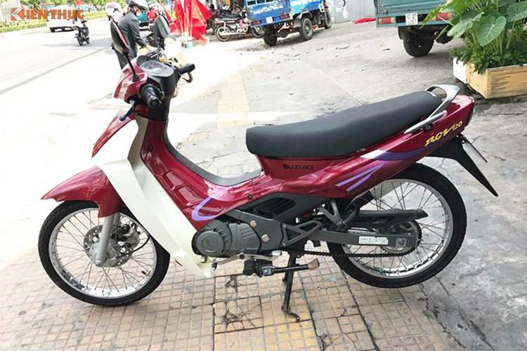 Tại Việt Nam, những dòng xe máy hàng hiếm như Honda Dream II, Spacy hàng Thái dưới dạng hàng đã qua sử dụng nhưng luôn có giá bán lên tới hàng trăm triệu đồng tùy vào mức độ zin theo xe... Chiếc Suzuki RGV 120 cũng không là ngoại lệ khi nó được mang biển số