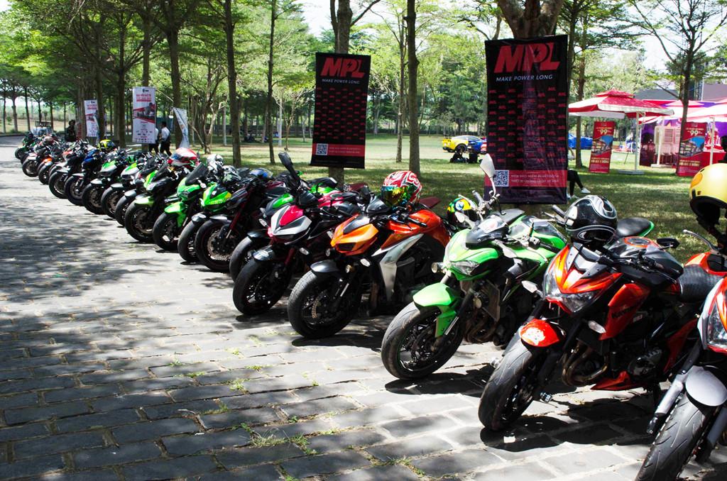 Gia đình Kawasaki có số lượng áp đảo với hơn 50 xe, đa số là Z1000, Z900 và Z800. Các mẫu xe này đang rất