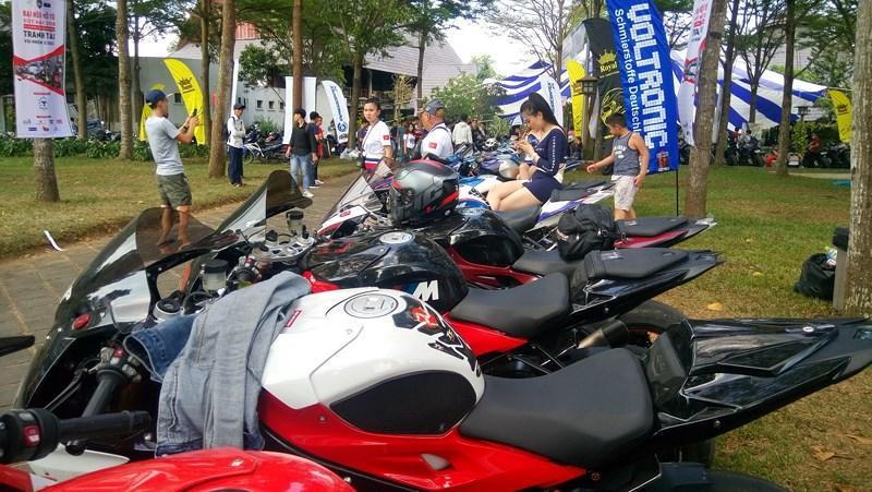 Hàng chục ngàn biker với những