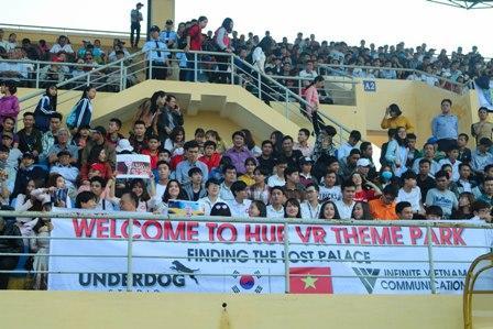 Hơn 5.000 khán giả có mặt trên sân theo dõi trận Chung kết.