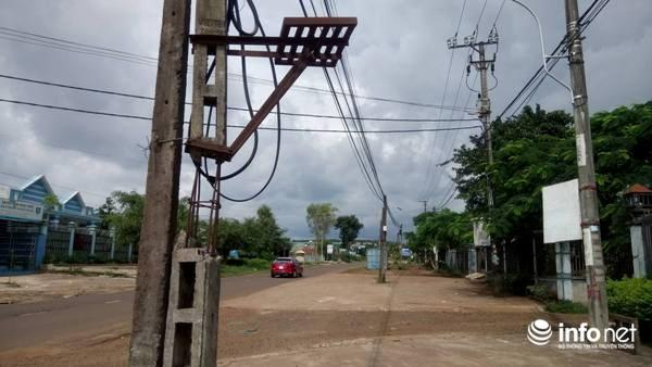 Cột điện cách trung tâm xã Ia Der khoảng 200m