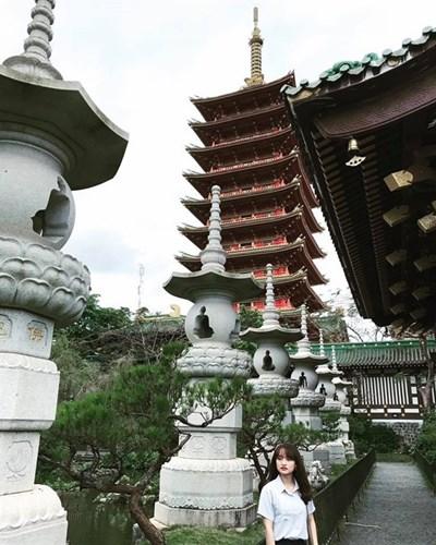 Nhiều người nhận xét khi bước vào trong khuôn viên của chùa Minh Thành, chẳng khác gì đang