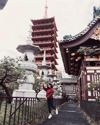 Chùa Minh Thành là địa điểm bạn có thể đến tham quan và chiêm ngưỡng khi tới Tây Nguyên. Đến đây, bạn sẽ ngây ngất với vẻ đẹp của Ngôi chính điện đậm chất Nhật Bản với những bức tượng được tạc bằng gỗ tinh xảo.