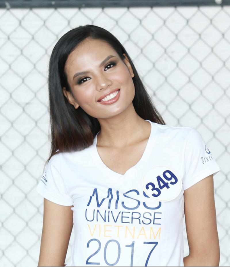 Tiêu Ngọc Linh (Hải Dương) cũng là một gương mặt nổi bật của cuộc thi năm nay. Cô là á quân chương trình Next Top Model 2014. Thời điểm dự thi, người đẹp gây chú ý bởi thành tích học tập đáng nể - thủ khoa đầu vào Đại học Ngoại thương.