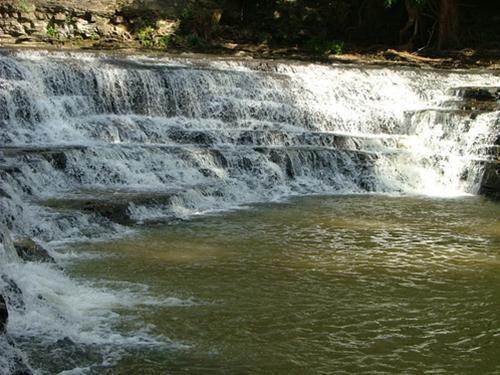 Thác Thủy Tiênhay còn gọi là thác Ba Tầng, cách TP. Buôn Ma Thuột (Đắk Lắk) khoảng 56 km.Ảnh:Travel.