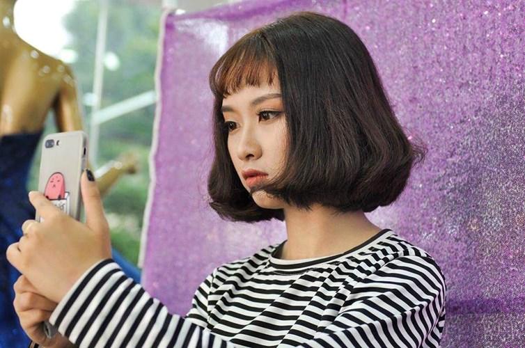 Cô gái được dân mạng để mắt tới đó là nữ sinh Gia Lai có tên đầy đủ là Nghiêm Thị Yến Nhi (sinh năm 2002), hiện đang là học sinh lớp 10 Trường THPT Pleiku.
