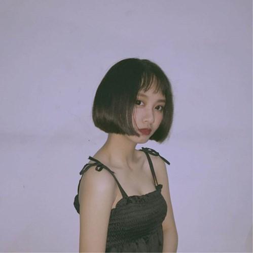 Từng được nhiều người chú ý bởi nhan sắc, Yến Nhi còn có rất nhiều tài lẻ như ca hát hay dancer và những clip hướng dẫn make up trên trang cá nhân.