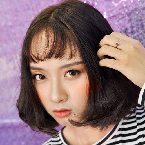 Mới đây trên fanpage Hội những người thích ngắm gái đẹp châu Á dân tình lại phải xôn xao, chú ý tới một cô nàng xinh đẹp, sở hữu nhan sắc không phải dạng vừa, đặc biệt là có đôi mắt long lanh hút hồn người ngắm. Ảnh trong bài: FBNV.