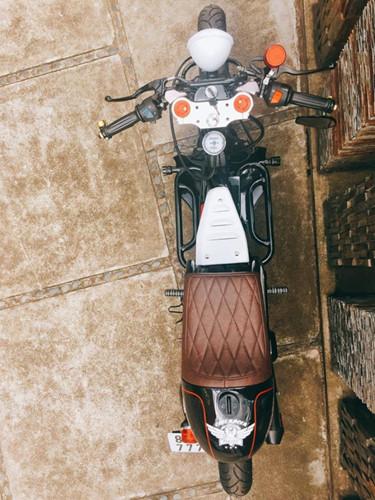 Để hoàn thành siêu phẩm Yamaha Nouvo Cafe Racer độc nhất vô nhị này, được biết thợ độ phải mất 15 ngày với chi phí khoảng 16 triệu đồng.