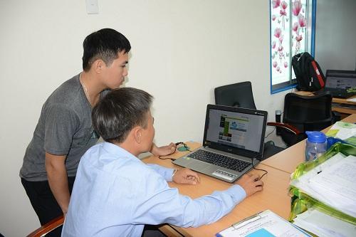 Có Internet, công việc tại nông trường dự án trồng tiêu Olam Gia Lai vận hành thuận lợi.