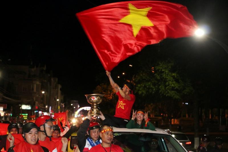 Cổ động viên Phố núi tin rằng U23 Việt Nam sẽ giành cúp vô địch. Ảnh: Q.T