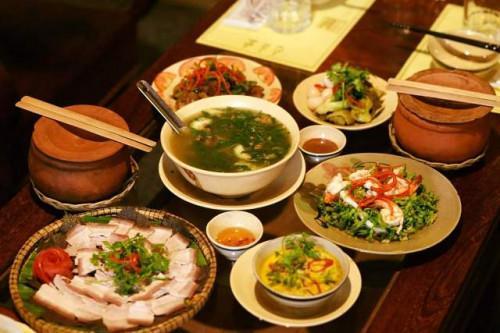 Những món ăn dân dã, bình dị phảng phất hương vị đồng quê ngay giữa chốn đô thành.