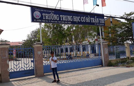 Trường Trần Thi, nơi em T đang học. Ảnh: Phương Nghi.
