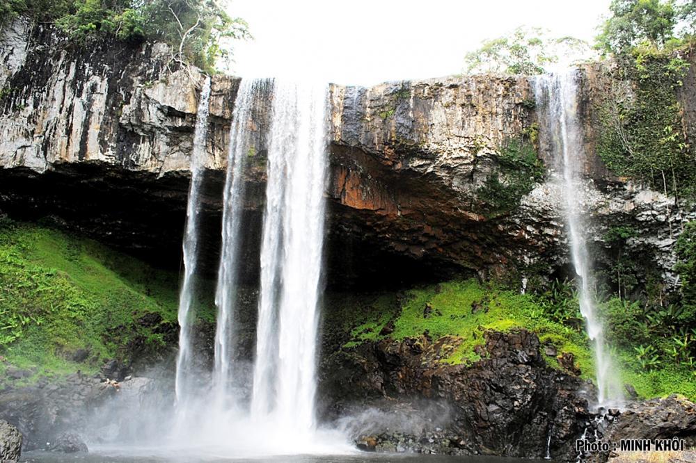 Thác 50 khu bảo tồn thiên nhiên Kon Jrăng.