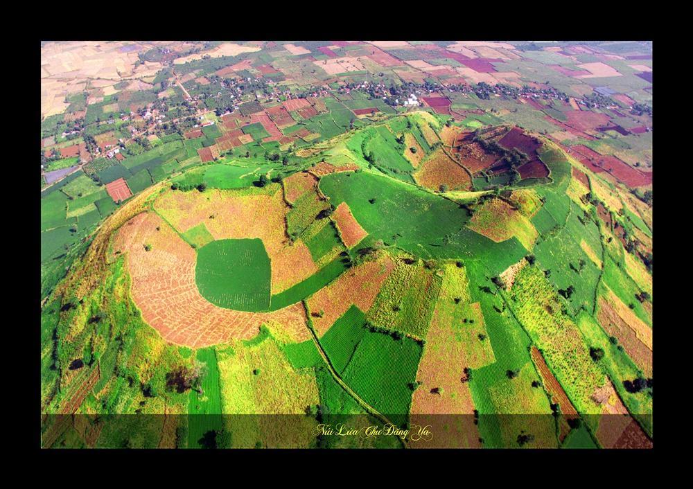 Thắng cảnh nổi tiếng của Chư Pah là núi lửa Chư Đăng Ya