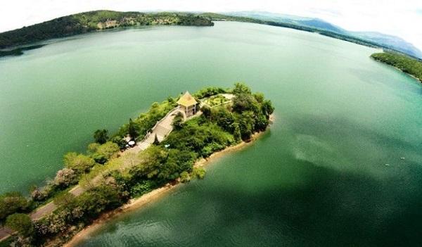 Biển Hồ - tên gọi khác của hồ T'Nưng.