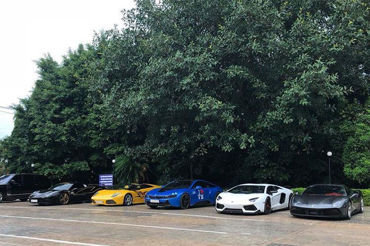 Những thành viên Car & Passion không chỉ có chung niềm đam mê siêu xe thể thao tốc độ, máu trải nghiệm hành trình và rong ruổi các nẻo đường, mà họ còn mang chung những tấm lòng thiện nguyện.