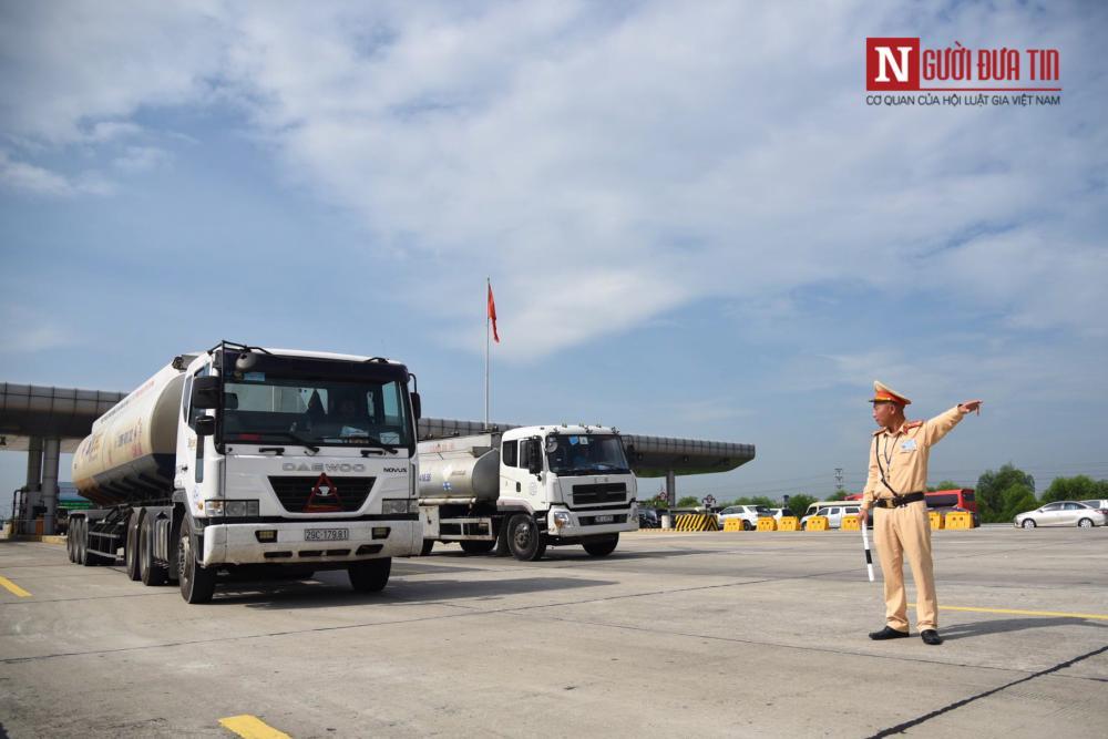 Tổng kiểm soát đối với xe ô tô chở khách, ô tô vận tải container và xe mô tô.