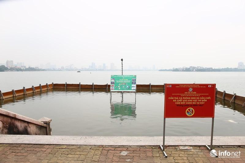 Cùng với việc xử lý ô nhiễm nguồn nước sông Tô Lịch từ 16/5, khoảng 1.000m2 Hồ Tây (đối diện số nhà 161 Nguyễn Đình Thi, quận Tây Hồ) cũng được triển khai thí điểm công nghệ làm sạch Nhật Bản.