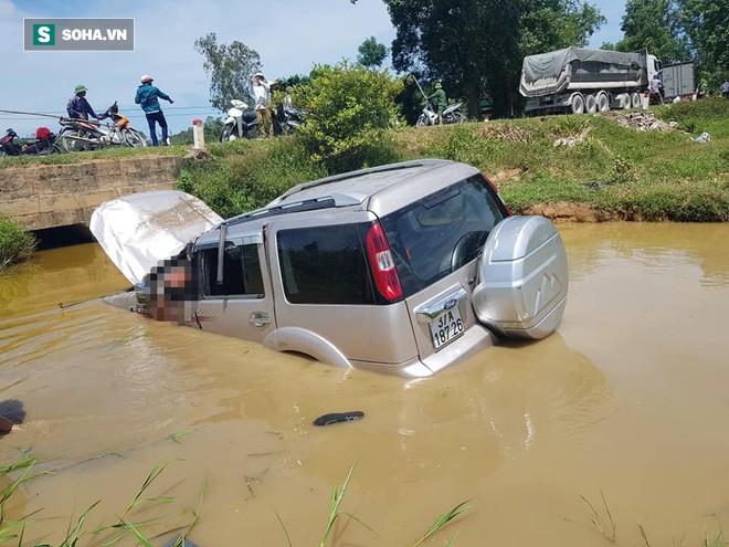 Chiếc xe làm tài xế tử vong tại chỗ, 5 người khác bị thương.