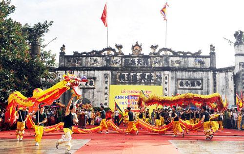 Múa rồng trong lễ hội Kiếp Bạc