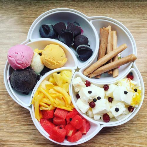 MOB Cafe còn nổi tiếng với rất nhiều loại kem (Nguồn Facebook MOB Cafe)