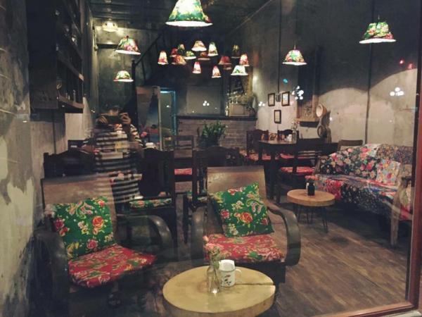 Lạ Cafe theo phong cách Vintage cổ điển (Nguồn: Facebook Cafe Lạ)