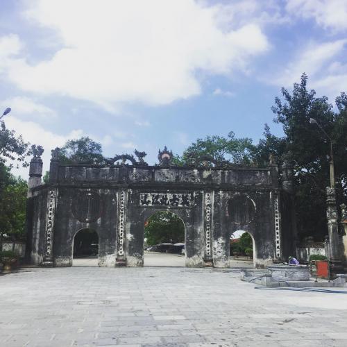 Nghi môn đền Kiếp Bạc. (Nguồn: sondauto_ )