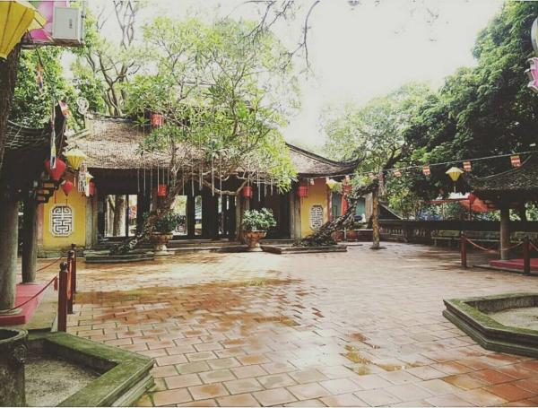 ... mà còn bởi sự trang nghiêm trong các ngôi chùa. (Nguồn: chunny13elieve)