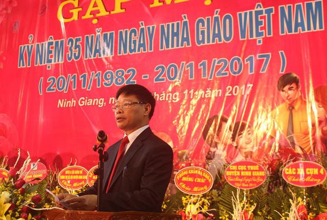 Chủ tịch UBND huyện Ninh Giang, ông Nguyễn Tiến Tầng phát biểu chào mừng buổi lễ