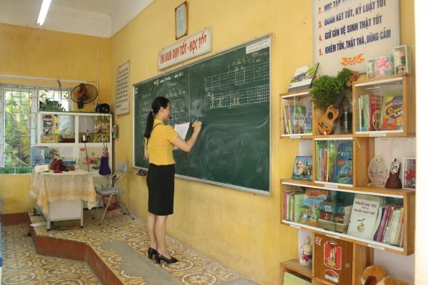 Hiện đang có gần 1.200 giáo viên tại Hải Dương bị nợ lương suốt 3 tháng qua.