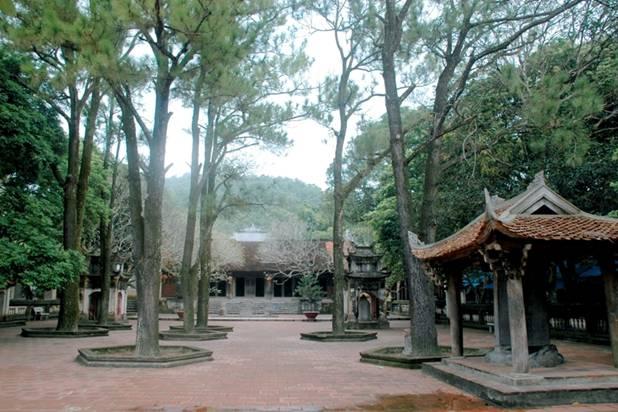 Côn Sơn là di tích văn hoá và là nơi có điều kiện tự nhiên thu hút nhiều du khách thập phương về tham quan tại Hải Dương.