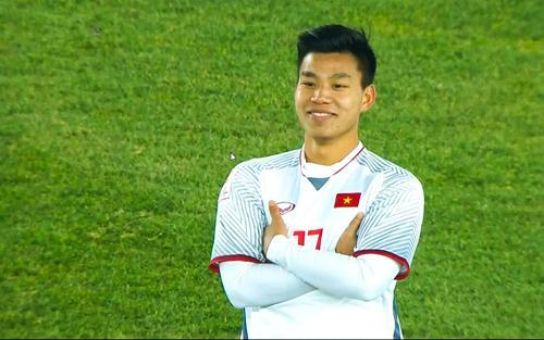 Pha ăn mừng đầy khí chất của Văn Thanh khi Việt Nam vào chung kết. Ảnh: Quang Dũng.