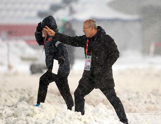 HLV Park Hang Seo thực sự giỏi để cùng U23 Việt Nam đi vào lịch sử. Ảnh: Anh Khoa