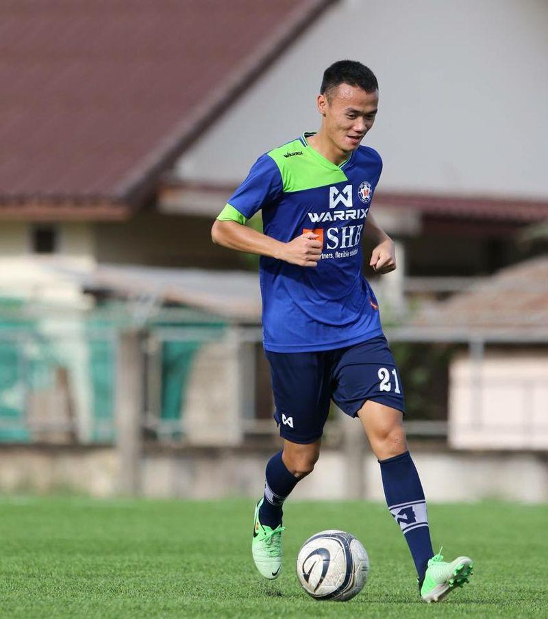 """Nguyễn Xuân Nam là một tiền đạo rất """"hot"""", ở Lao League"""